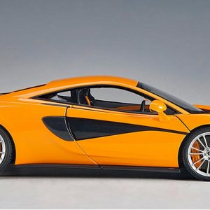 McLAREN 570S (McLaren Orange / Silver Wheels)