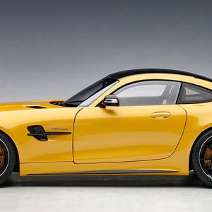 MERCEDES-AMG GT R    (AMG Solarbeam Yellow Metallic)